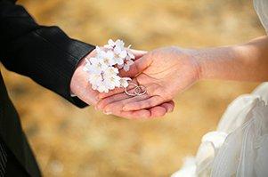 国際結婚を望まれている人は外国人の結婚パートナーを探すには外国人メンバーが登録しているマッリッジエージェントに登録されるのがおすすめです。